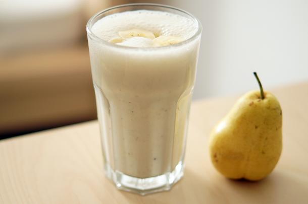 bananen-mandelmilch-shake