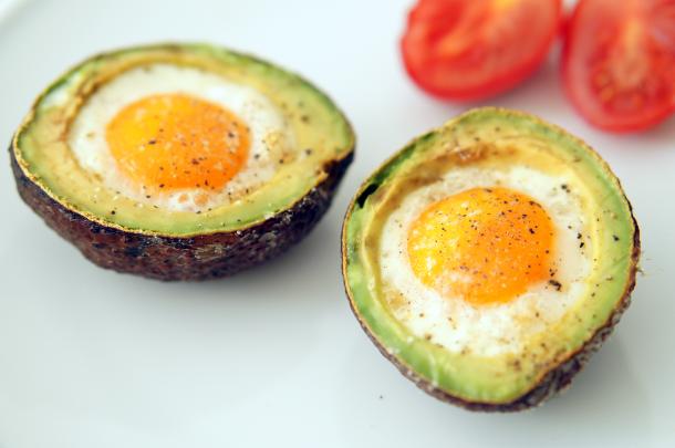 paleo-breakfast-avocado-ei