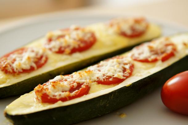 paleo-gefuellte-zucchini
