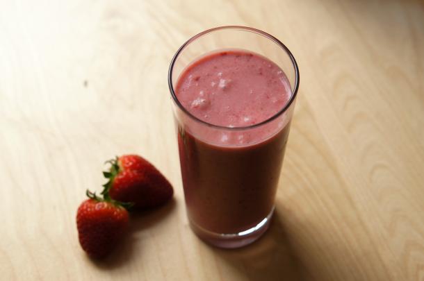 paleo-erdbeer-shake