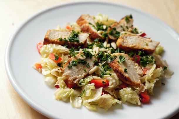 paleo-salat-huehnerfilet-kohl