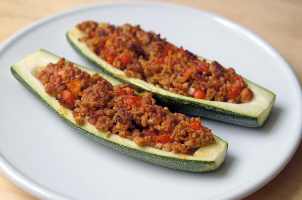 paleo-gefuellte-zucchini-1